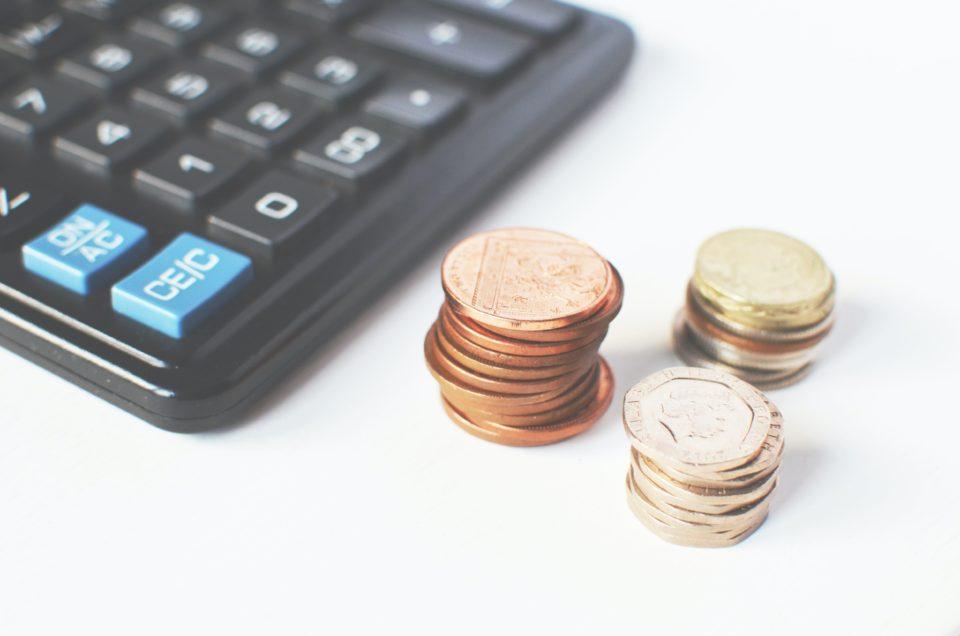 Une calculette et des pièces